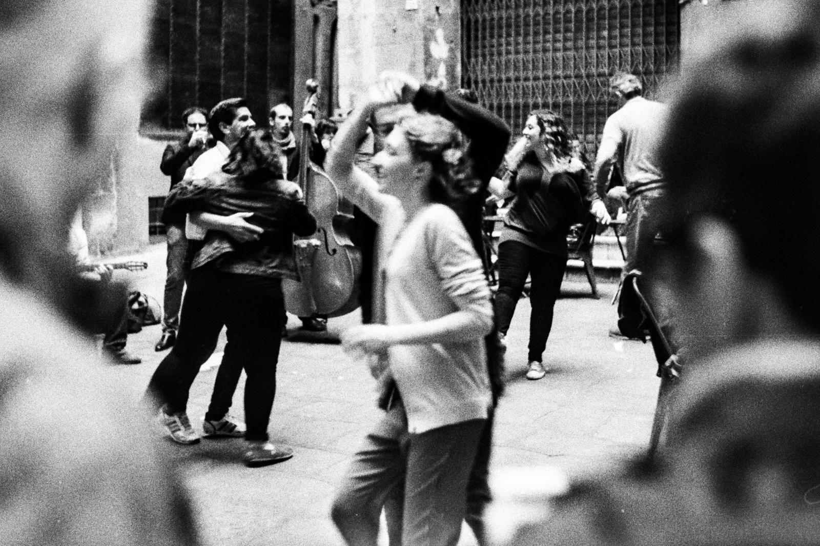 Swing dance in the street